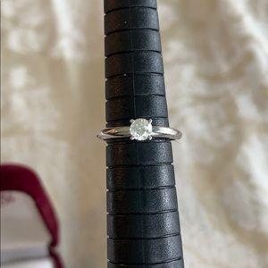 1/4 carat (quarter) .25 diamond 14K white gold